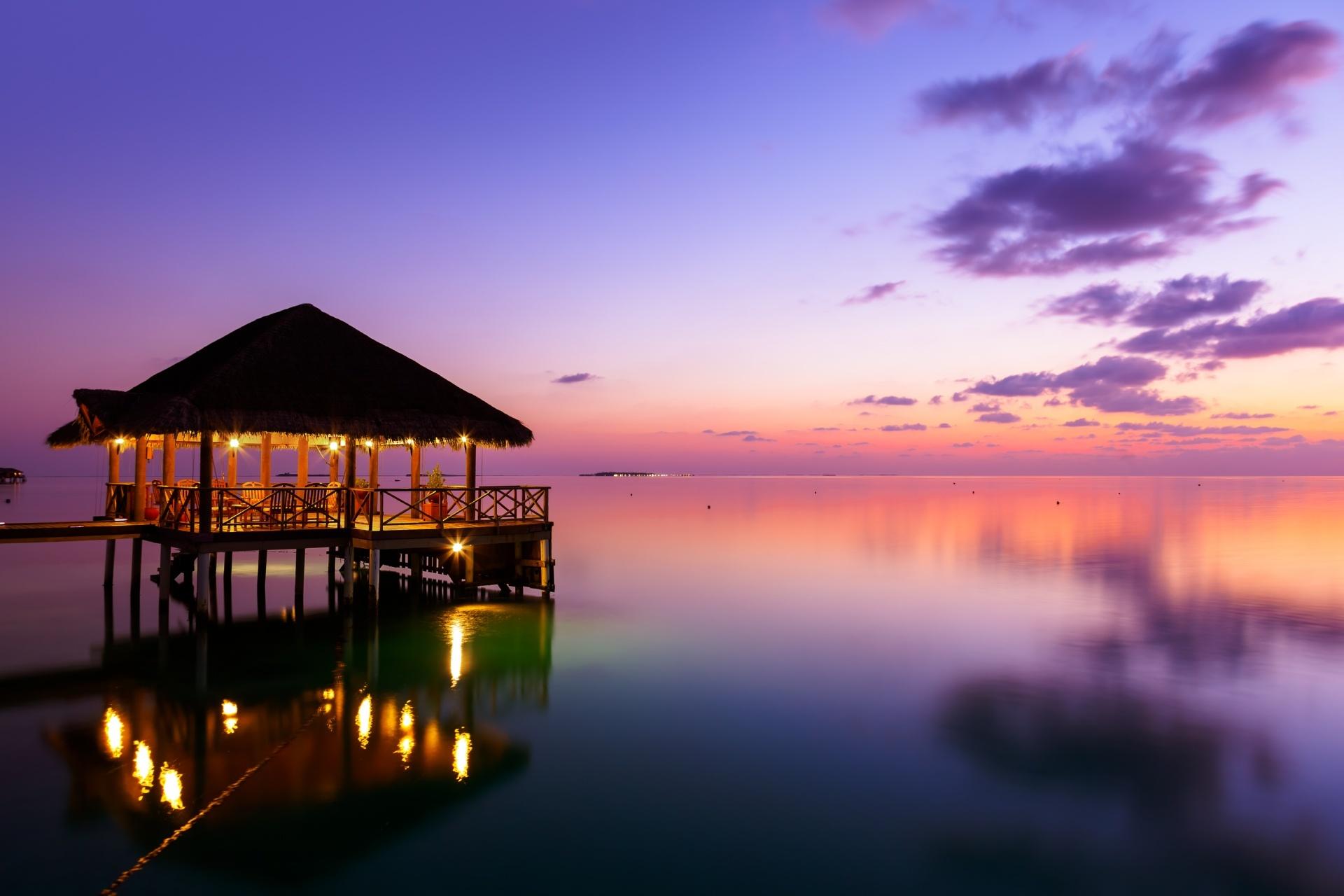 夕暮れの海 モルディブの風景