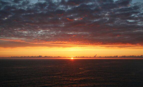 ロカ岬の夕日 ポルトガルの風景