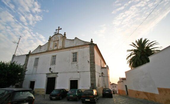 朝のエルヴァスの町並み ポルトガルの風景