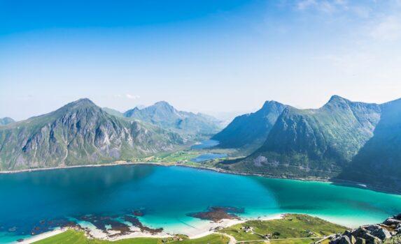 夏のロフォーテン諸島 ノルウェーの風景