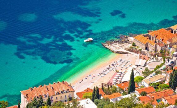 ドゥブロヴニクのバニェビーチ クロアチアの風景