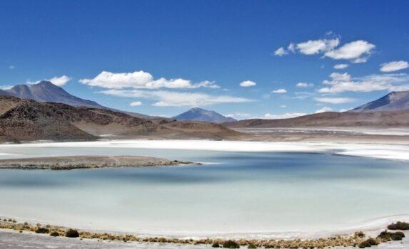 ウユニ塩原の風景 ボリビアの風景