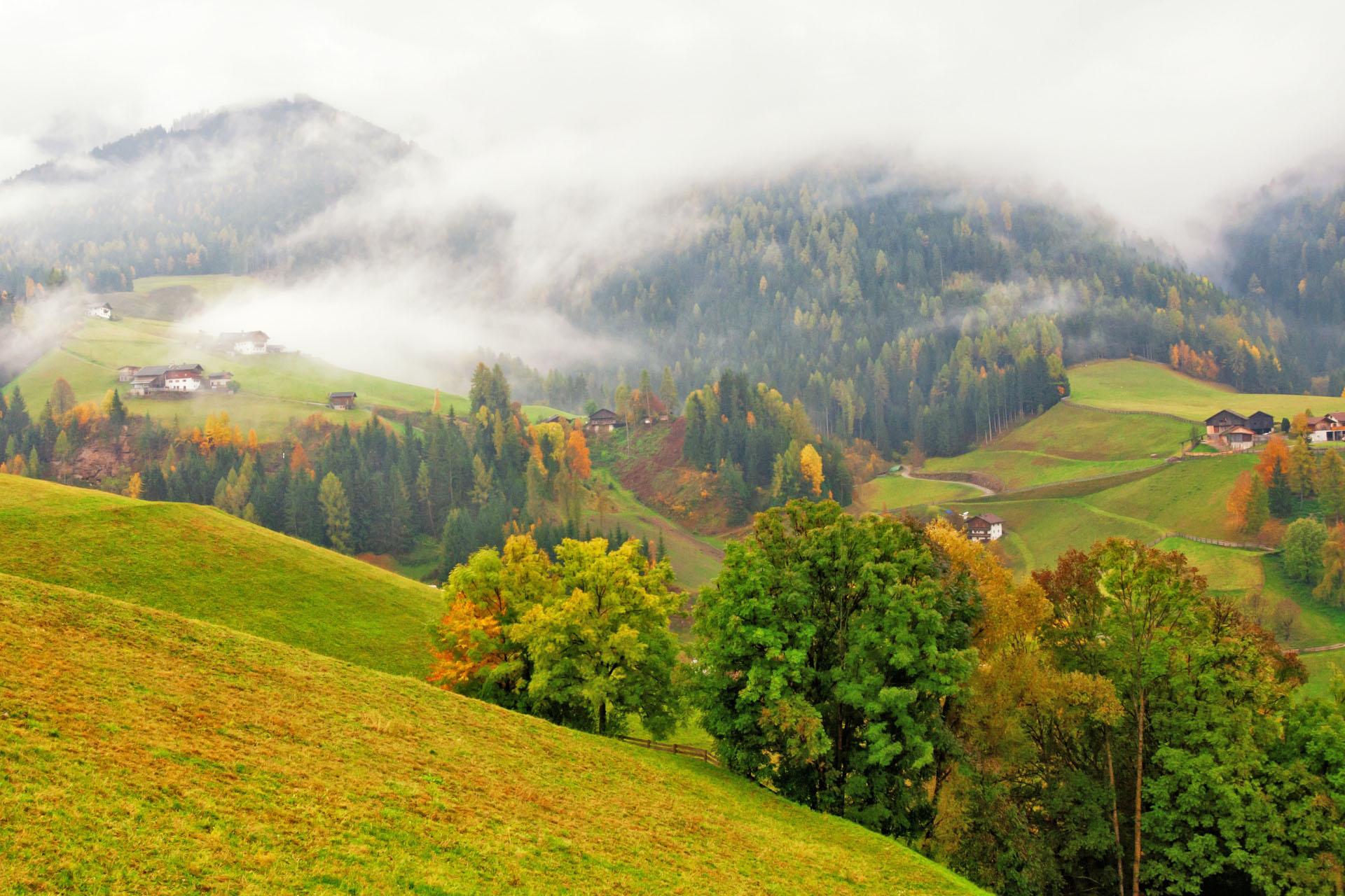 秋の南チロル イタリアの秋の風景